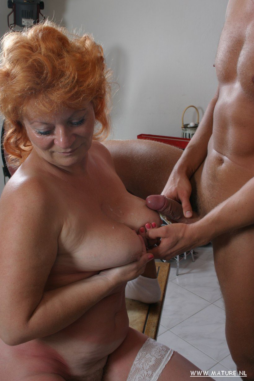 Mature sandy-haired in kinky activity