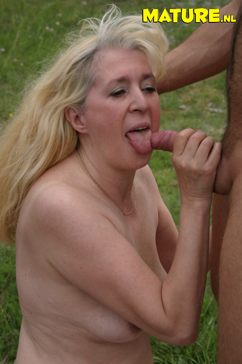 This mature superslut enjoys to get poked in an open sphere
