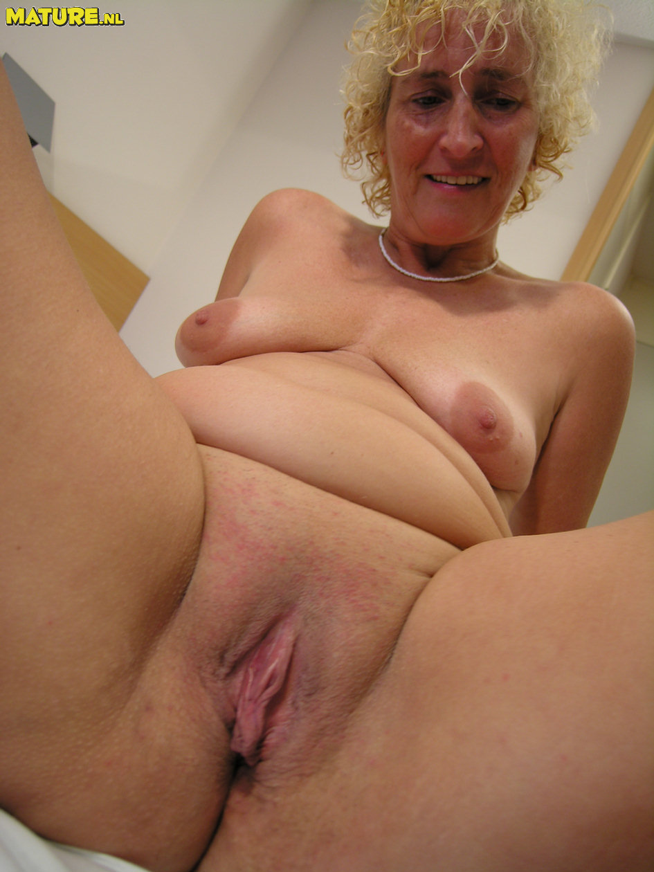 Wild light-haired mature displaying her stuff